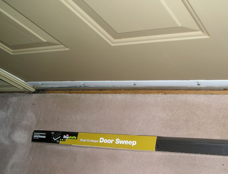 Door sweeps sometimes need replacing & Door Sweeps - Helpful tips about changing your doorsweep Pezcame.Com