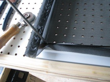 Screen repair table in use